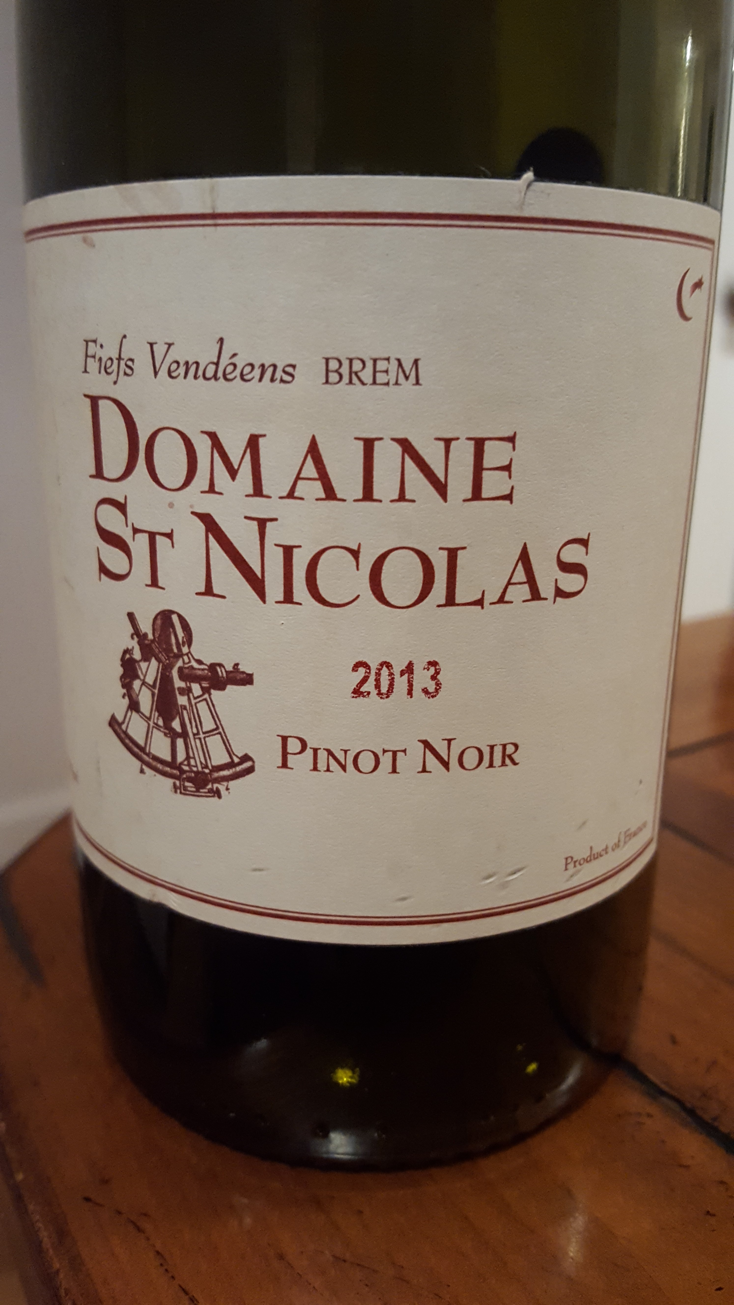 & Domaine Saint Nicolas Pinot Noir Fiefs Vendeéns Brem 2013   WINENOODLE